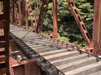 廃線跡の鉄橋