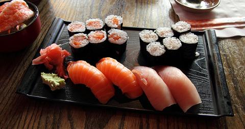 catch_salmonsushi.jpg