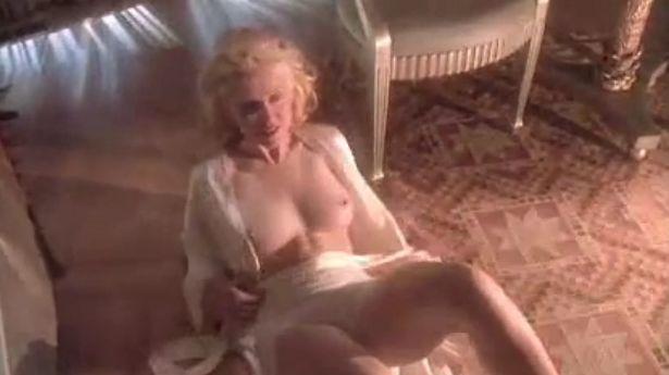 マドンナ 全裸で男を誘惑