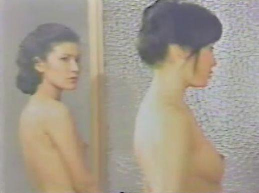 【由美かおる】色白で綺麗なお尻を披露するヌードシーン