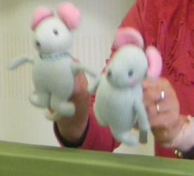 2010125人形