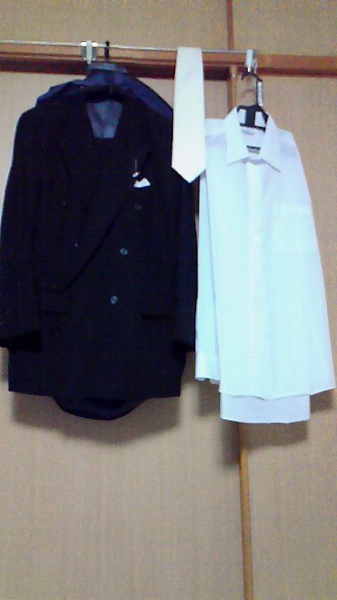 8-10-3 礼服.JPG