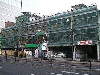 宇都宮市の中心街にある古いビル、今年も取り壊されないまま年越し。
