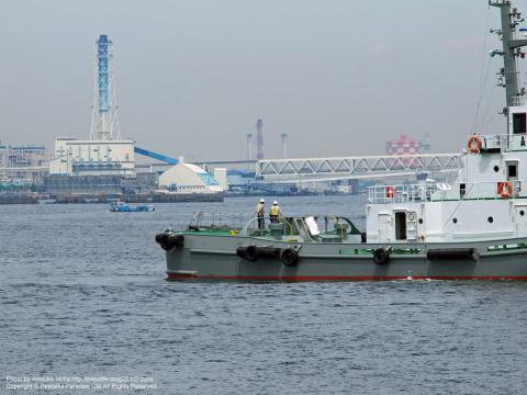 シーバスのMM21・ぷかり桟橋乗り場の近くから見た海と船