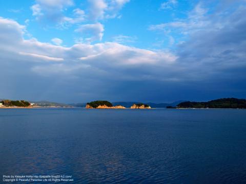 海に浮かぶ小島