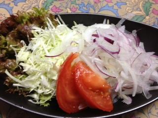 札幌黄トレッドオニオンのサラダ