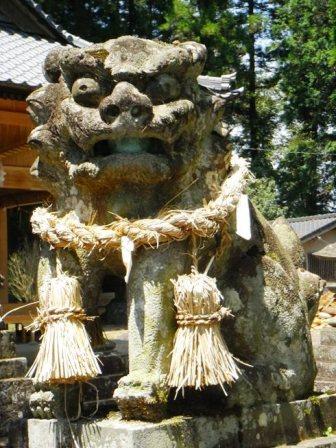 亀都起神社玖珠1