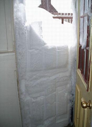 開けたら、雪?