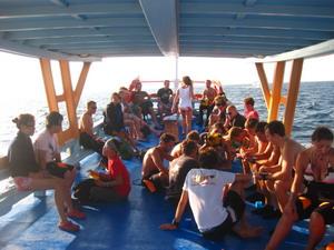 アジアダイバーズ ダイビングボート