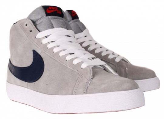 Nike-SB-April-2010-Releases-Dunk-Low-Blazer-Classic-SB-05-540x392.jpg