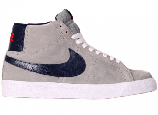 Nike-SB-April-2010-Releases-Dunk-Low-Blazer-Classic-SB-08-540x392.jpg