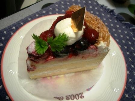 220109ベリーケーキ