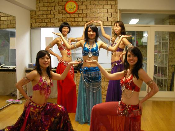 初心者・中高年も安心♪ Shape up belly dance of Lucia !!