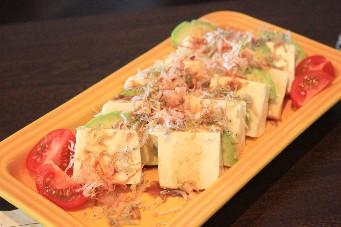 アボカドじゃこ豆腐サラダ
