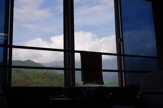 旅館6階だったので、窓あけっぱ。
