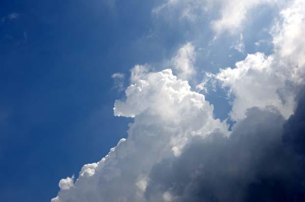 実際の空より綺麗にとれることもあるもんだ。