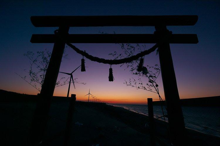 夜明けの鳥居 2