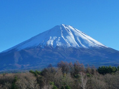 雲ひとつない富士