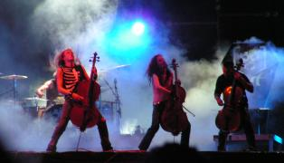 Apocalyptica_-_Festival_Wacken_Open_Air_2005.jpg