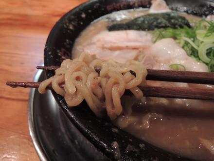 とんこつチャーシューの麺