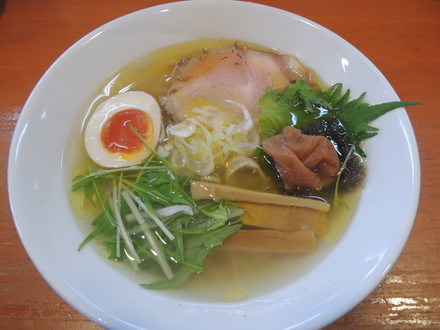 日香麺 清香(塩)(750円)+梅トロ(200円)