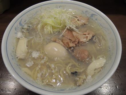 広島産特大牡蠣の貝塩ラーメン(1260円)