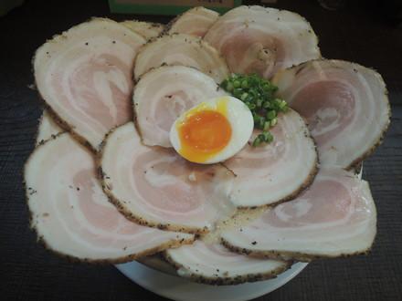 豚CHIKIしょうゆラーメン(700円)+チャーシューマシ×4(800円)