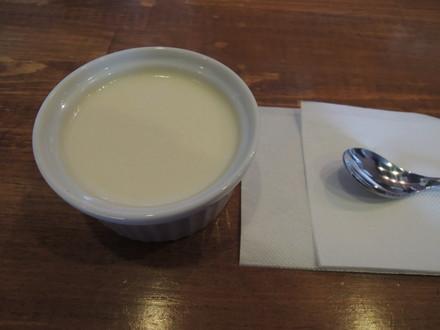 杏仁豆腐(250円)