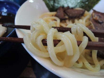 猪と蝦夷鹿の焼黒味噌つけ麺の麺