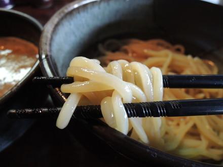 熟炊き鶏コク塩つけ麺の麺