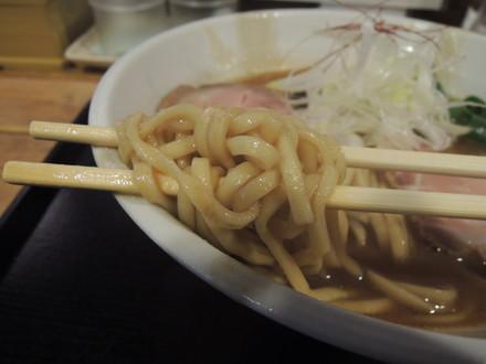 鶏豚骨のラーメンの麺