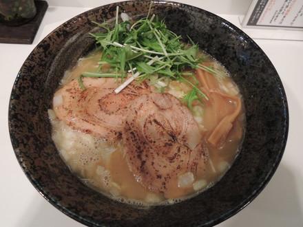 極達らー麺(730円)
