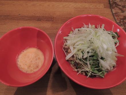 混ぜつけ麺 だにえるパンチ(800円)