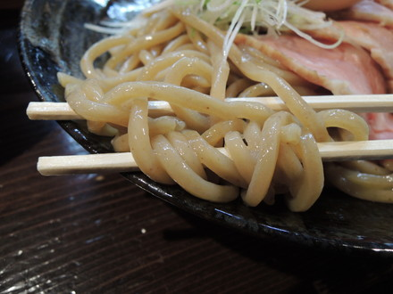 つけ麺(並)の麺