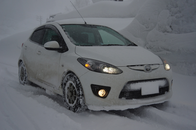 約100kmほど雪の中を疾走したマツダスピードデミオ
