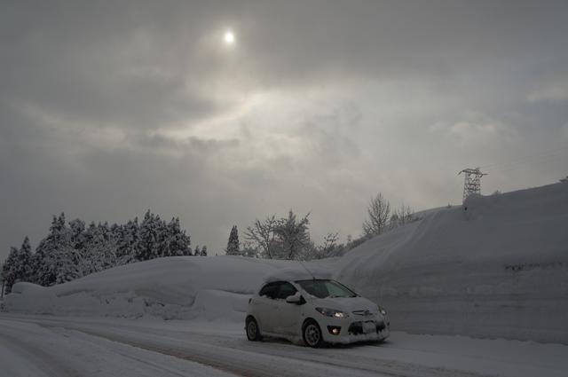 マツダスピードデミオ雪の中