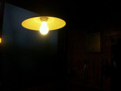 笠松電機製、297と91に旧マツダランプ・現東芝の電球をつけたところ