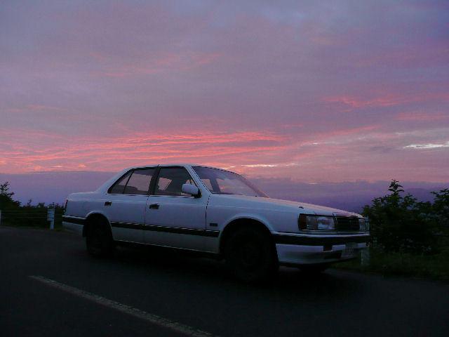 HCルーチェと夏の新潟の朝焼け