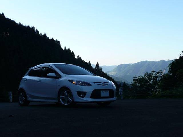 マツダスピードデミオDE5FSと東京の山林