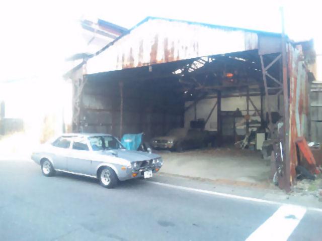 マツダルーチェとふるい整備工場
