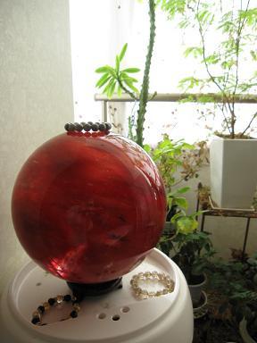 赤い玉ちゃん・・・日本に数個しかないそうです。