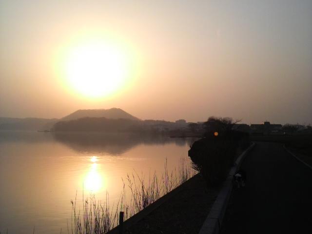 湖山池の夕暮れ