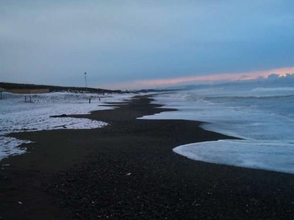 レースのような海