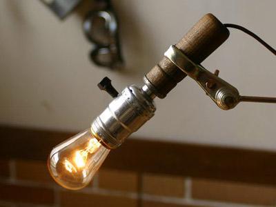 ヴィンテージLEVITON工業系木製ハンドルランプ/アンティーク照明