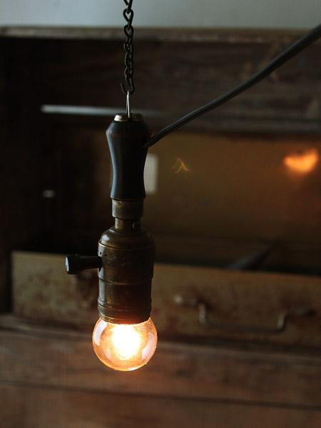 ヴィンテージ工業系木製ハンドルライト