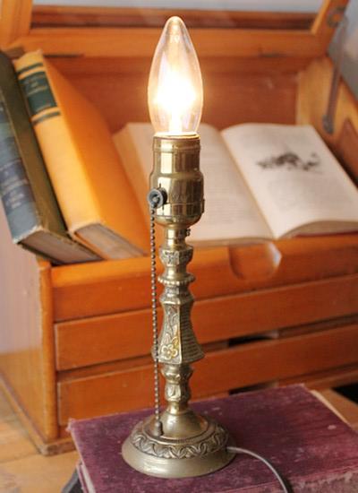 USAプルチェーンソケット真鍮テーブルランプ/アンティークライト
