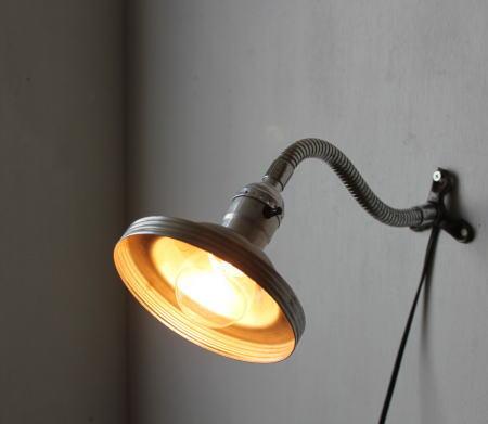 LEVITON社ソケット工業系壁掛ライト/アンティークウォールランプ 20110203