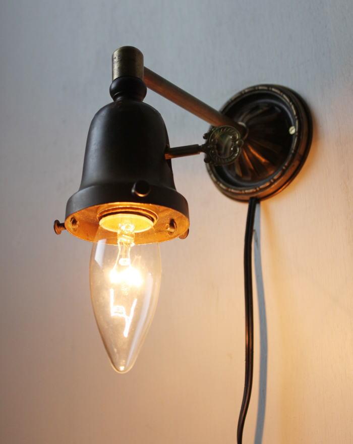 鍵ソケットカバー真鍮製ウォールランプ/アンティーク