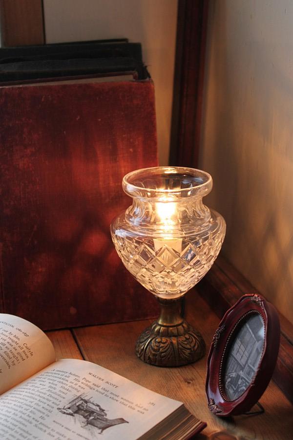 ガラスシェードカップ真鍮台テーブルランプ/アンティーク卓上
