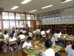 2011.11.2給食参観3